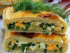 Пирог на простоквашес яйцами и луком