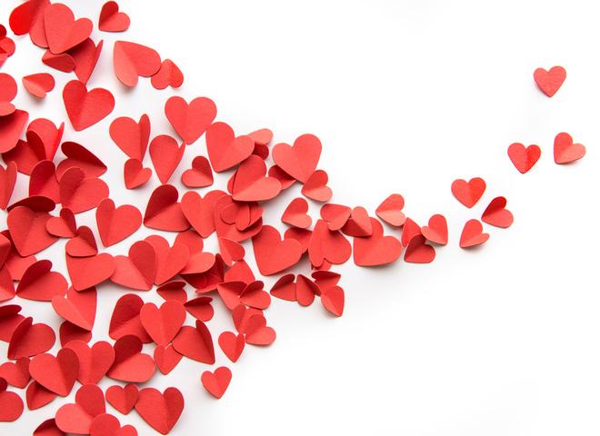 Love is: украинские звёзды украсили серию праздничных фантиков