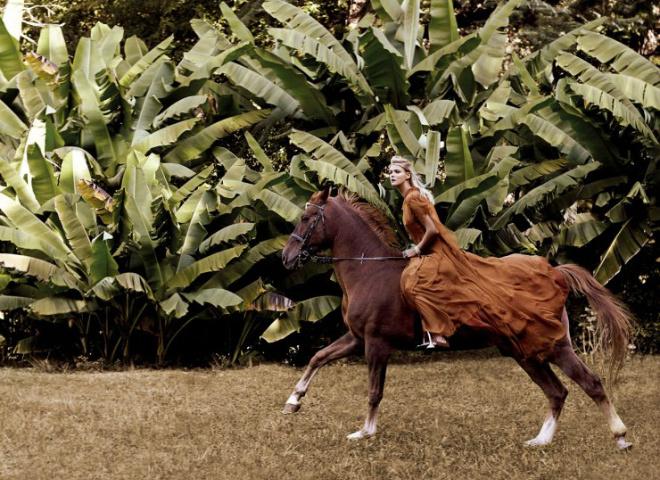 Бьянка Балти и Кармен Касс для Harper's Bazaar China