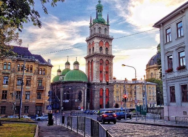 Самые красивые города Украины: Львов