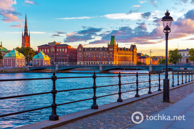 Топ-10 безпечних міст для туристів