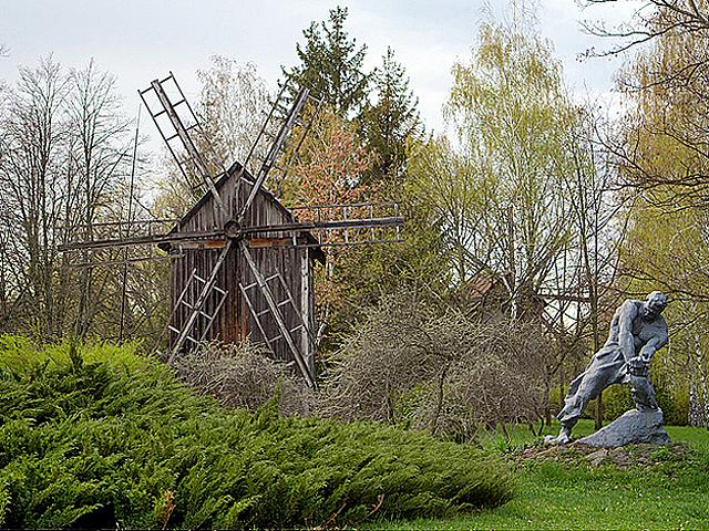 Хэллоуин по-украински: загляни в заброшенные мельницы - Мельницы Переяслава
