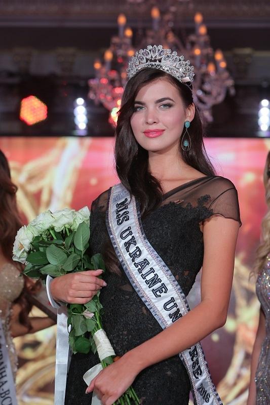 Победительница Мисс Украина Вселенная 2016 Алена Сподынюк ФОТО