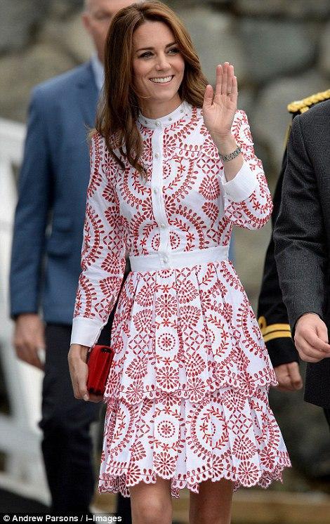 Гардероб герцогини: второй лук Кейт Миддлтон с тура в Канаду