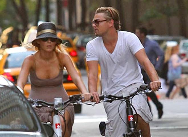 Леонардо Ді Капріо пересів на велосипед