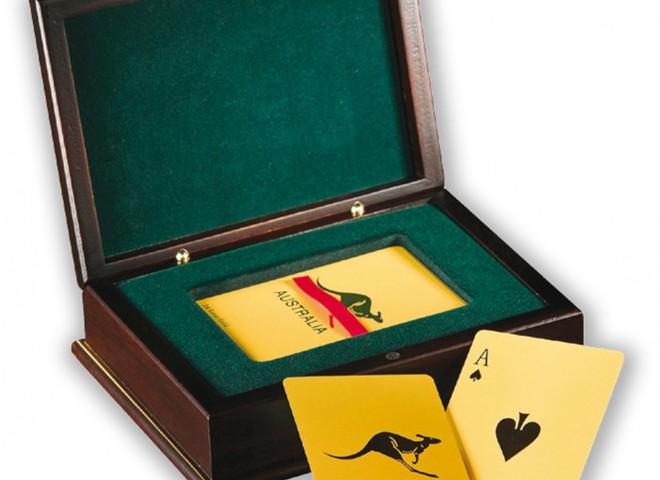 Набор игральных карт из золота стоит  $14 тыс.