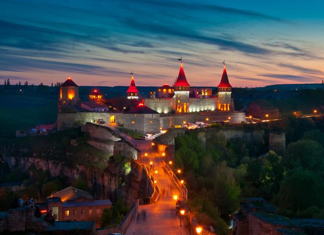 Цікаві місця України: найкрасивіші замки, палаци та фортеці