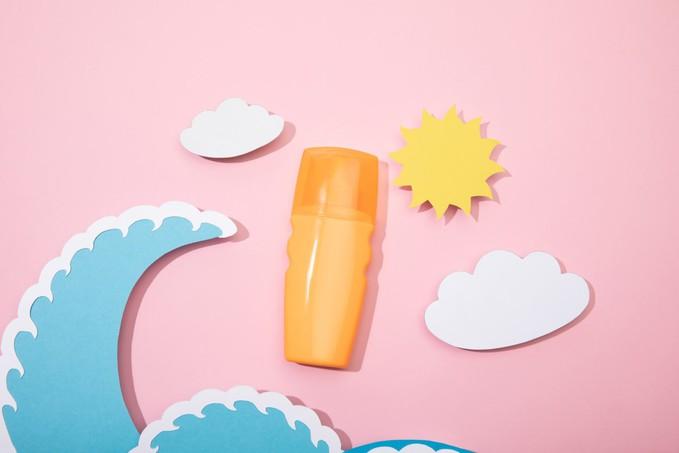 Як правильно вибрати сонцезахисний крем для обличчя та тіла