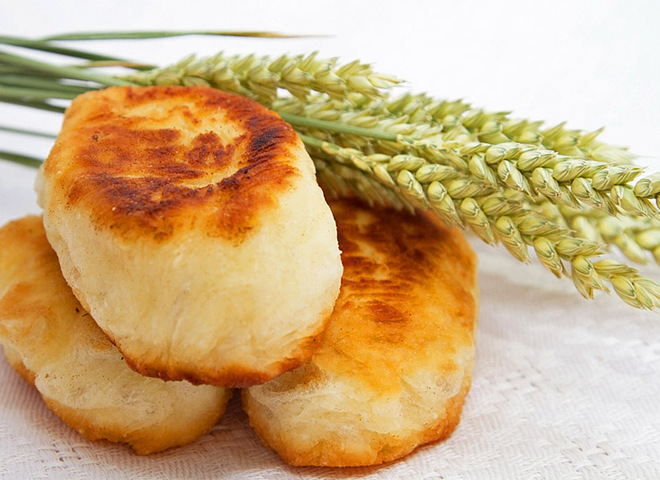 Жареные пирожки с капустой: рецепт приготовления на сковороде