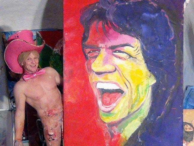 Тим Пэтч - художник, который рисует картины своим любимым органом...