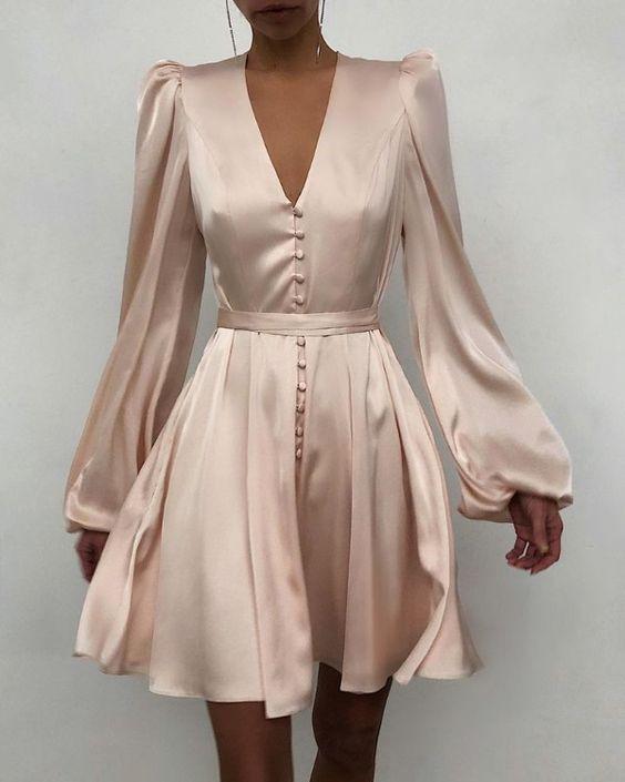 Шелковое мини-платье на выпускной