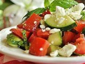 Салат с фетой.