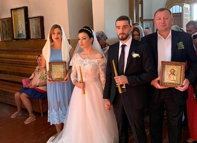 Анастасия Приходько обвенчалась со вторым мужем Александром