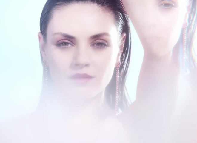 Міла Кцніс в рекламі рубінів