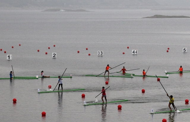 Шокуючі спортивні змагання: перегони на бамбуку