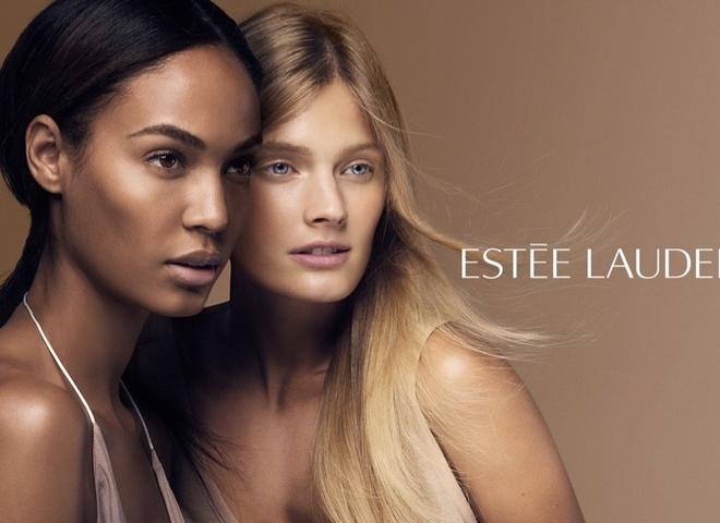 Джоан Смоллс и Констанс Яблонски в рекламной кампании Estee Lauder