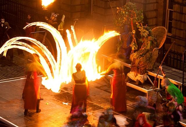 Родина Хэллоуина: путешествие в Шотландию и Ирландию - The Samhuinn Fire Festival