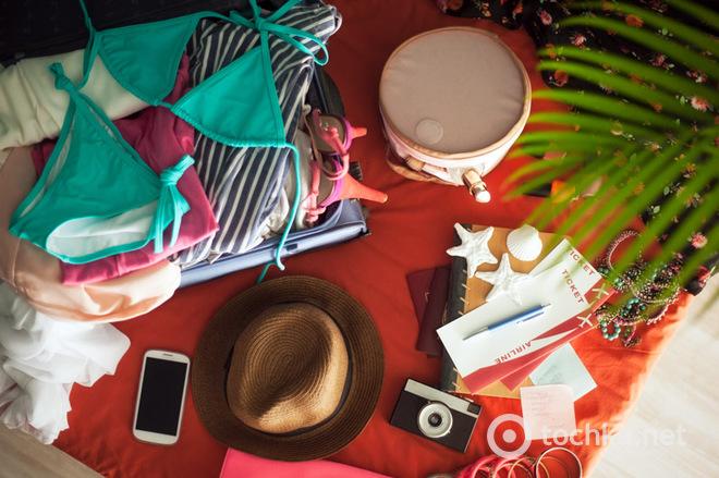 Travel kit. Що взяти з собою в подорож