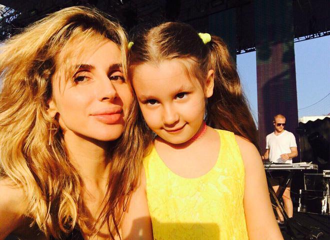 Як дві краплі: дочка Світлани Лободи йде по її стопах (фото, відео)