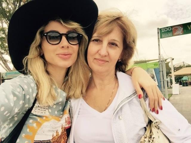 артисты с мамами