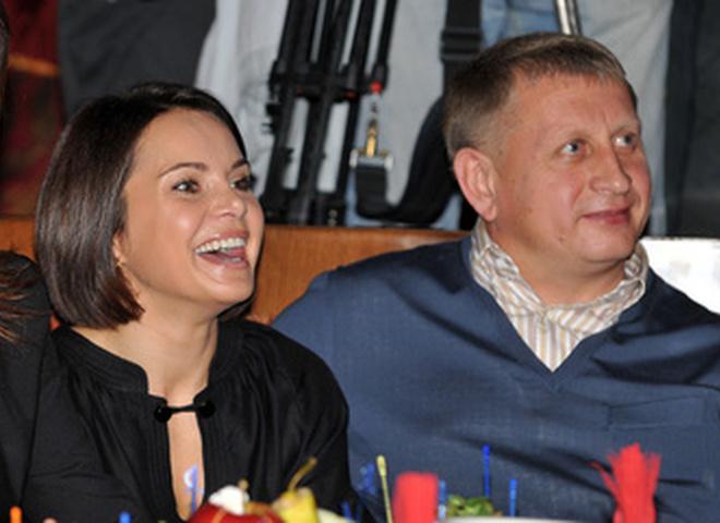 Тимофей Нагорный в компании девушки
