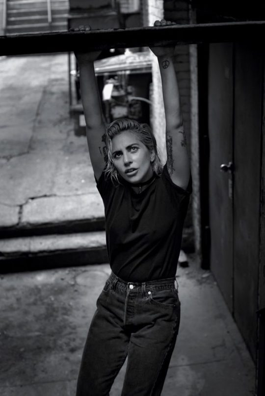 Леді Гага прикрасила обкладинку T Magazine