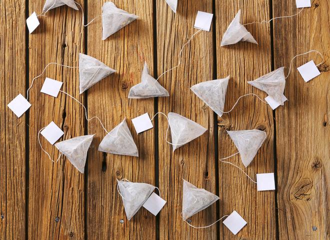 Что делать с чайными пакетиками: 13 способов повторного использования