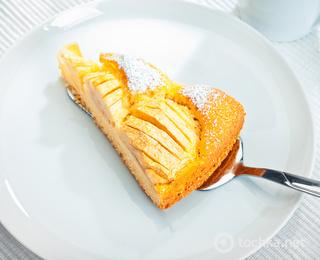 Пирог с яблоками и бананами на кефире рецепт с пошагово в духовке 8