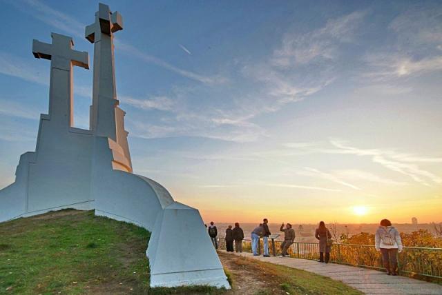 Достопримечательности Вильнюса: Холм Трех Крестов