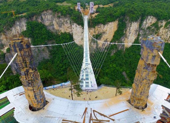 скляний міст у Китаї