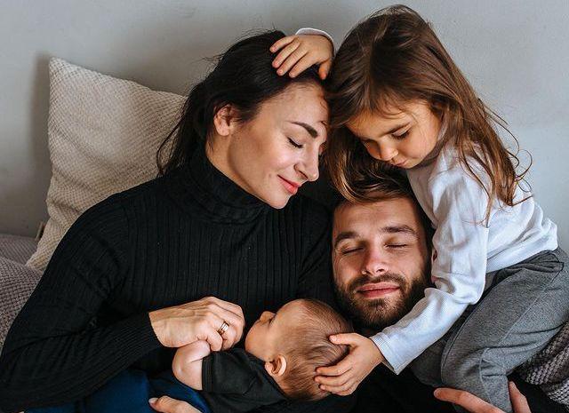 Илона Гвоздева с семьей