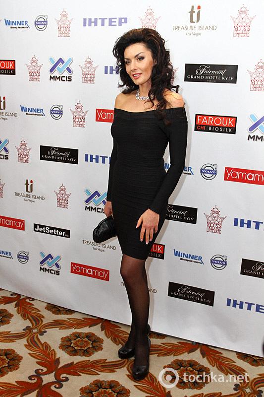 Міс Україна 2013. Червона доріжка. Частина 1