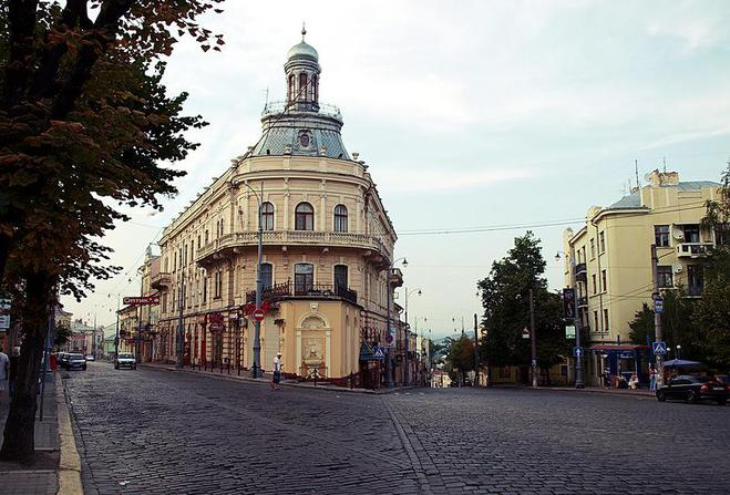 Незвичайні будівлі України