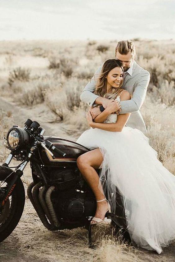11 весільних фотографій з незвичайних церемоній, які точно не забудуть ні молодята, ні гості