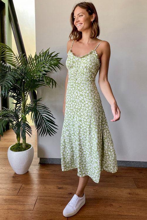 Стильні легкі сукні на літо