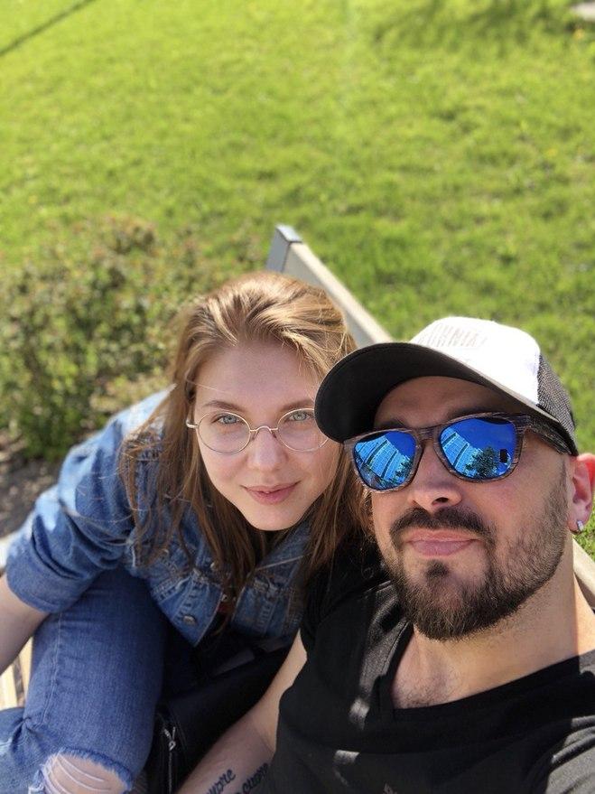 Андрій Сторож з дружиною Дариною