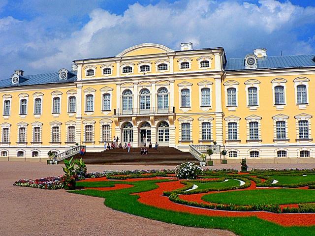 Рундальский дворец достопримечательности