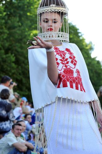Коллекции Этно-fashion на фестивале «Країна Мрій»: LARA KIM