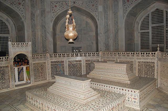 Могили для поклоніння: Шах-Джахан та Мумтаз-Махал