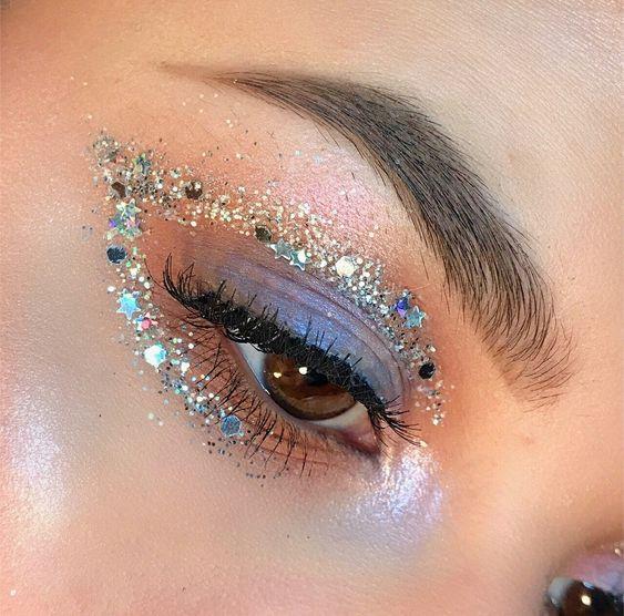 Праздничный макияж на Новый год 2021