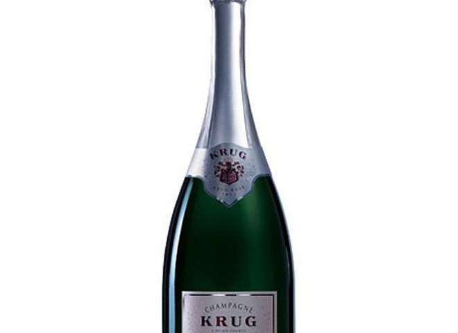 В Гонконге продали самое дорогое шампанское