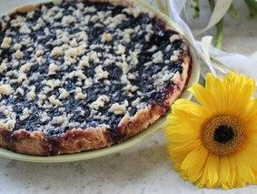 Рассыпчатый пирог с черникой