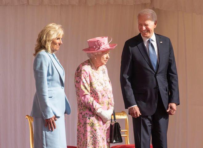 Єлизавета ІІ з президентом і першою леді США