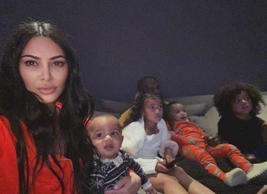 Ким Кардашьян и ее семья