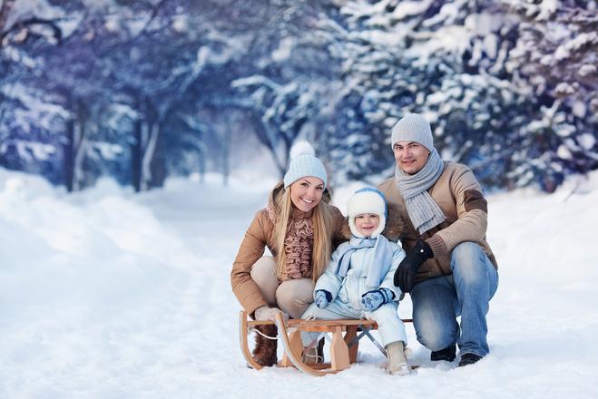 Топ-7 правил, как одеть ребенка на зимнюю прогулку
