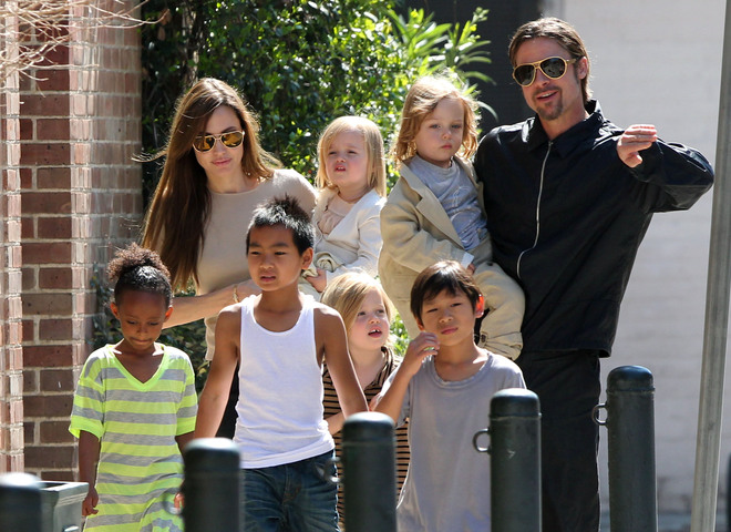 Брэд Питт отказался судиться сАнджелиной Джоли заопеку над детьми