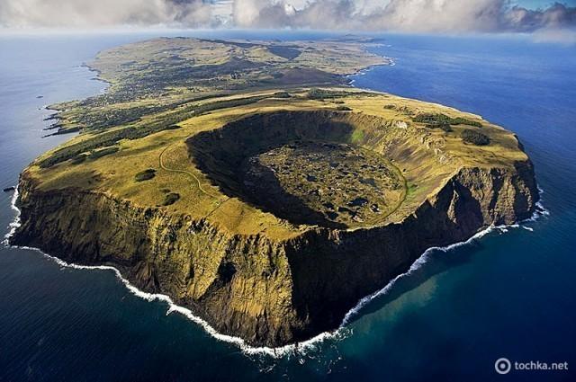 Рано Кау, вулкан в національному парку Рапа-Нуї на Острові Пасхи. Це вулкан, розташований на південно-заході острова востаннє вивергався в період від 150 до 210 тисяч років тому