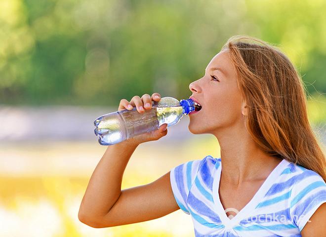 Узнай, почему, когда пьешь много воды, худеешь