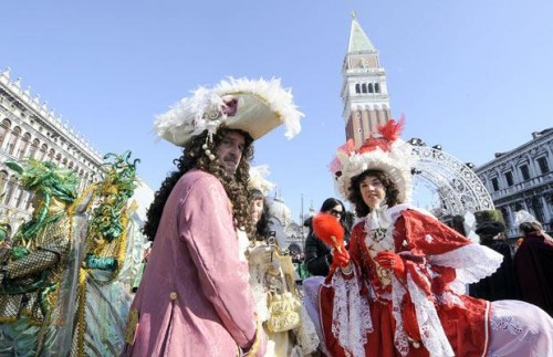 all about carnival of venice The carnival of venice (italian: carnevale di venezia) is an annual festival held in venice, italythe carnival ends with the christian celebration of lent, forty days before easter, on shrove tuesday (martedì grasso or mardi gras), the day before ash wednesday.