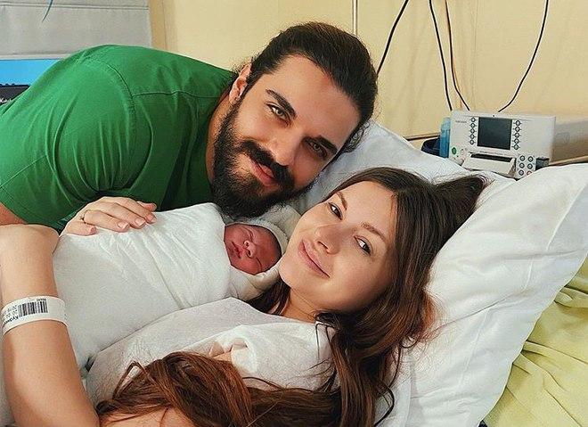 Алена Венум впервые стала мамой: первые фото